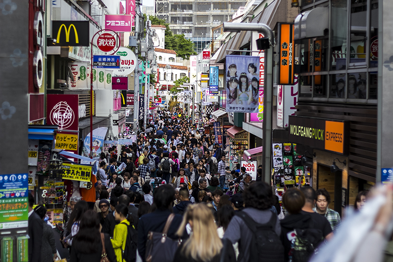 Japan-crowds-first-impressions-of-japan